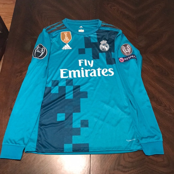 more photos 0441c 0dbc3 2017/2018 Real Madrid Third Kit W/ Patches